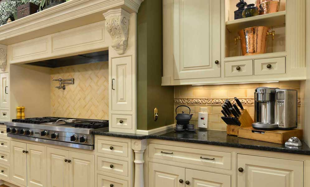 Amish cabinets about schlabach wood design in baltic ohio - Amish built kitchen cabinets ...