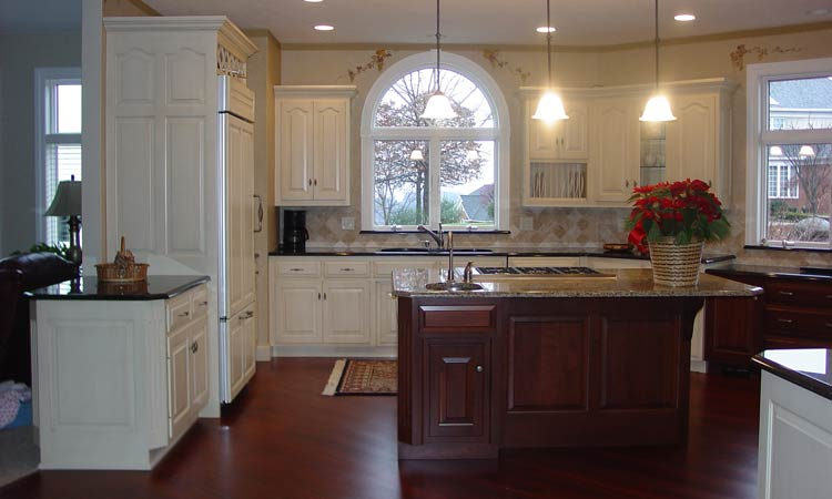 Amish made custom kitchen cabinets schlabach wood design for Amish kitchen cabinets